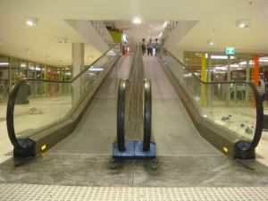 Comfortable Moving Walkways for Public Building pictures & photos