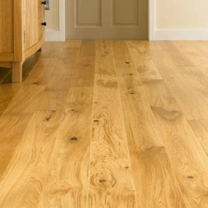 T&G UV Lacquer Engineered Oak Wood Floor pictures & photos