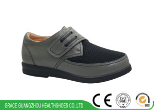 Men Orthopedic Shoes Wide Shoes for Swollen Shoes pictures & photos