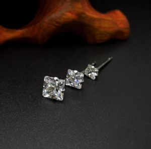 Crystal Stud Earrings Women Fashion Jewelry 316L Stainless Steel pictures & photos