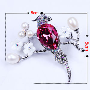 Freshwater Pearl Rhinestone Bird Design Brooch pictures & photos