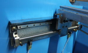 Electrohydraulic Synchronous CNC Press Brake (WE67K) pictures & photos