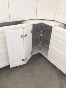 White Base Kitchen Cabinets pictures & photos