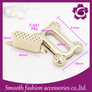 Fashion Rectangle Metal Twist Lock for Handbag Hardware Stainless Steel pictures & photos