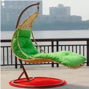 New Design Patio Wicker Hanging Swing Chair for Comfort Outdoor Living