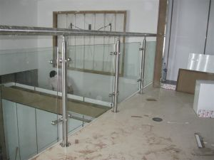 Modern Fashion 304/316 Stainless Steel Glass Railings pictures & photos
