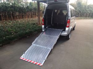 Manual Folding Wheelcair Ramp Used for Van to Help Wheelchair to Get Into Van pictures & photos