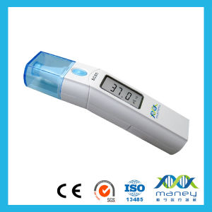 Digital Infrared Baby Ear Thermometer with Ce Certification (MN-ET-100E) pictures & photos