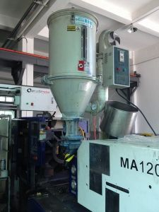 Plastic Raw Material Drying Machine Hopper Dryer pictures & photos