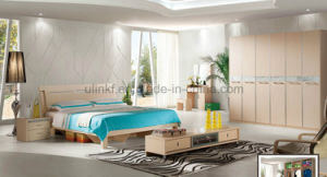 Italy Modern Style Bedroom Furniture Solid Wood Bed (UL-LF008) pictures & photos