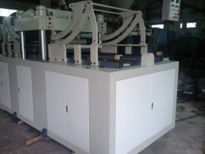 Plastic Insert Products Extrusion Injection Molding Machine pictures & photos