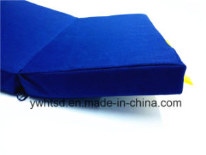 600d with Thickness 4cm Sponge Foldable Cushion pictures & photos