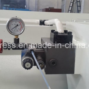 Full Steel Welding Structure QC12y Hydraulic Shearing Machine pictures & photos