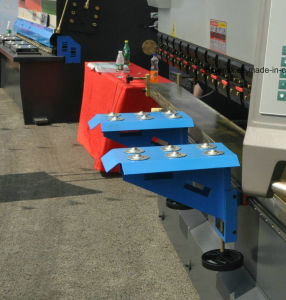 We67k 100t/3200 Electro-Hydraulic Synchronous CNC Bending Machine pictures & photos