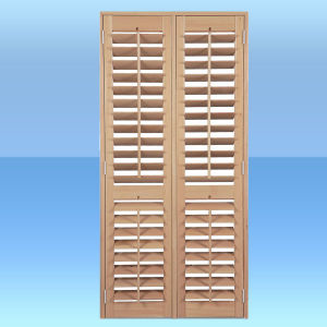 Wood Shutter/Louver Door (KD04D) (Shutter Door) pictures & photos