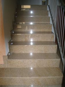 Natural Granite Stairs with Sandblasted Antislippery Stripe pictures & photos