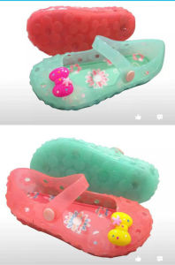 Pink Girls PVC Jelly Shoes pictures & photos
