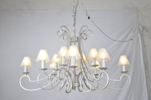 Custom Made Simple Contemporary Fabric Shade Chandelier pictures & photos