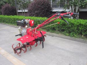 China Brand Agriculture Machinery Green Garden Diesel Tiller with Parts pictures & photos