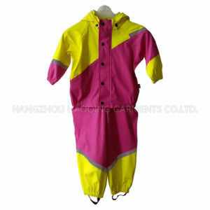PU Lemon and Rosy Contrast Raincoat for Children pictures & photos