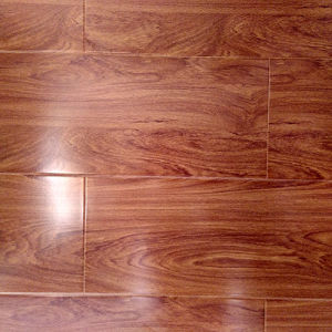 Factory Direct High Gloss Laminate Laminated Flooring pictures & photos