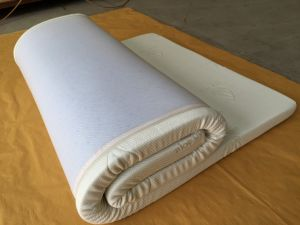 Vacuum Compressed Packing Memory Foam Mattress with Bamboo Cover pictures & photos