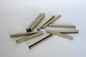 Industrial Wire Staple (98 Staple) pictures & photos