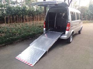 Tailboard Manual Wheelchair Ramp Loading 350kg pictures & photos
