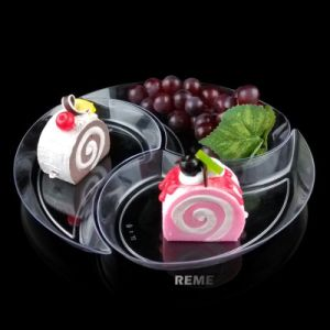 Tableware Plastic Plate Disposable Tray New Moon Shaped Plate pictures & photos