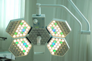 Adjust Color Temperatue LED Surgical Shadowless Light (SY02-LED5+5) pictures & photos
