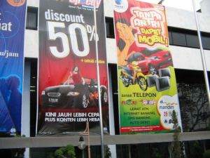 Outdoor Wll Mounted Hanging Fabric Banner for Advertising pictures & photos