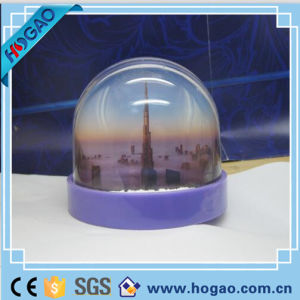 OEM Plastic Photo Snow Globe for Decoration pictures & photos
