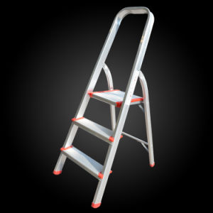 Household Folding Movable Aluminum Wide Step Ladder with Safe Rail pictures & photos