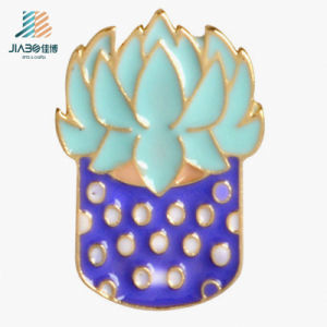 Promotional Alloy Casting Soft Enamel Metal Badge pictures & photos