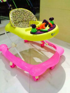 Top Quality Baby Car / Toys for Baby Small Walkers / Baby Products Hot Selling Baby Walker Baby Car pictures & photos