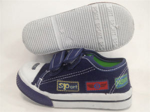Selling Mix Styles Kids Stock Injection Shoes Stock Canvas Shoes pictures & photos