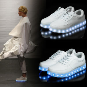 New Design Simulation LED Lighted Shoes /USB Charge Light Shoes LED pictures & photos