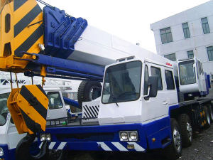 Hydraulic Mobile Truck Crane pictures & photos