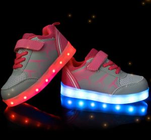 OEM New Fashion USB Charge Shoes pictures & photos