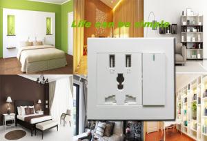 EU/Us Plug Aluminium Flame 4 USB Universal Wall Socket 110V-250V pictures & photos