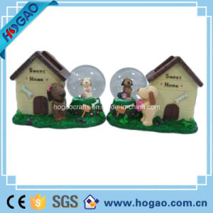 Resin Dog House Snow Globe (HG174) pictures & photos