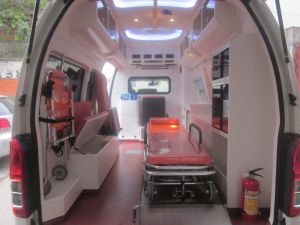 Toyota Hiace Super High Roof 2.7L Gasoline Luxury Ambulance pictures & photos