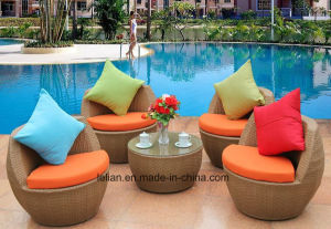 Modern Outdoor Garden PE Rattan Sofa Sets Furniture (LL-RST003) pictures & photos