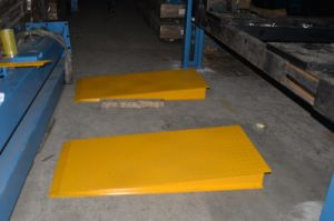 Ce Approved on Ground Mobile Car Lift for Wheel Alignment pictures & photos