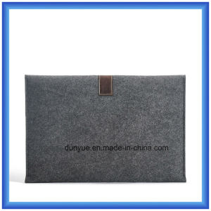 "Simple Design New Material 70% Content Wool Felt Laptop Sleeve Bag, Promotion Factory Make Laptop Sleeve with Buckle for 13"" Laptop pictures & photos"