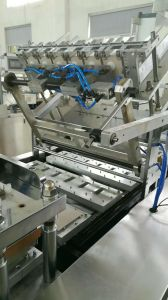 Razor PVC Sealing Card Blister Packing Machine pictures & photos