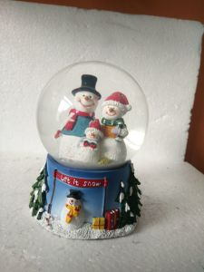 Polyresin Home Decor Craft Snow Globe Water Globe pictures & photos