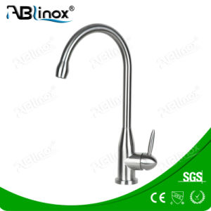 Ss304 Single Handle Faucet for Kitchen pictures & photos