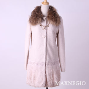 Double-Breasted Women′s Fashion Winter Outerwear (1-25564)