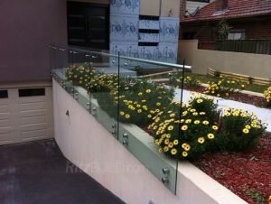 High Quality Balustrade Garden Fencing Glass Railing pictures & photos